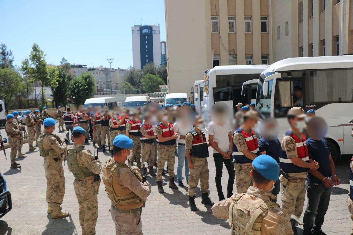 Diyarbakır da narko-terör operasyonu: 73 gözaltı #1
