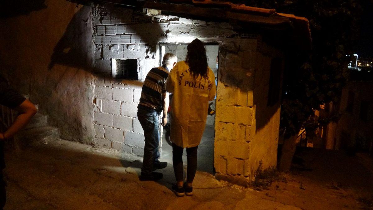İzmir de ailelerin bıçak kavgası: 1 i ağır 5 yaralı #4