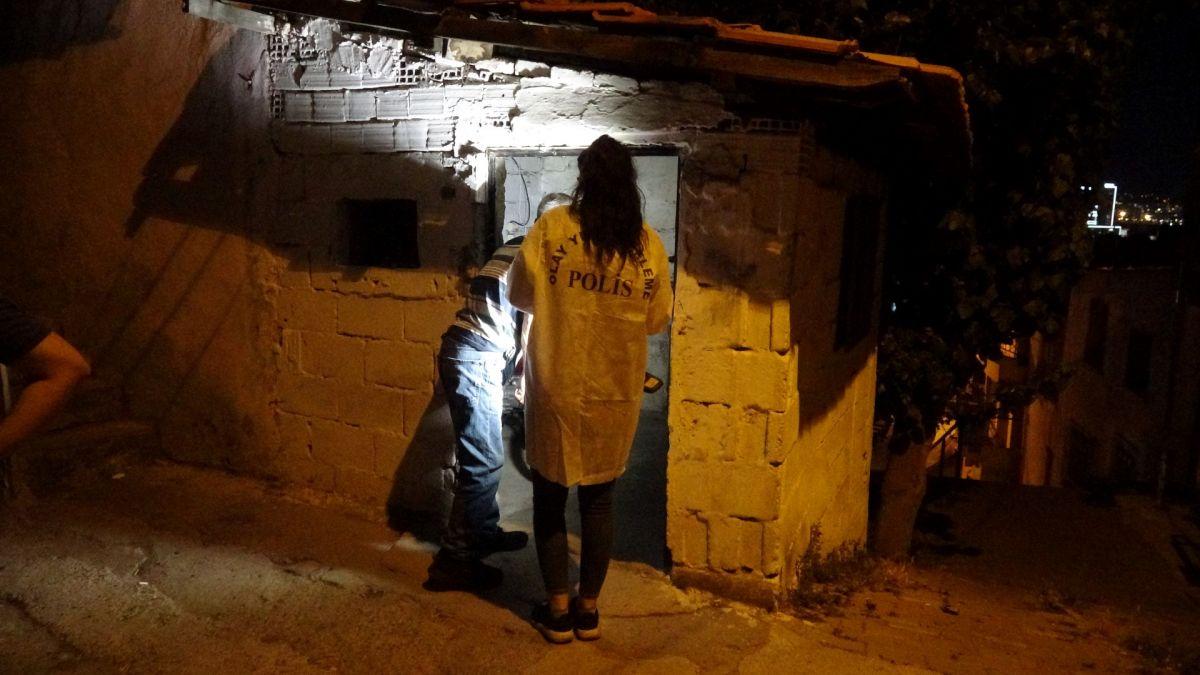 İzmir de ailelerin bıçak kavgası: 1 i ağır 5 yaralı #5