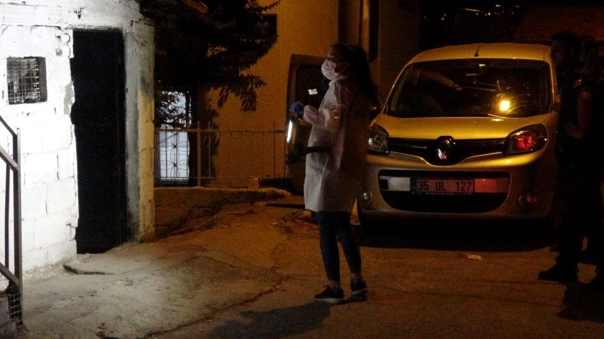 İzmir de ailelerin bıçak kavgası: 1 i ağır 5 yaralı #3