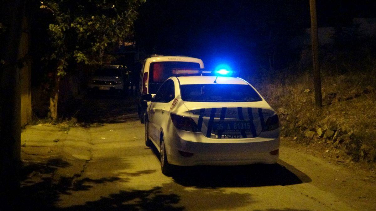 İzmir de ailelerin bıçak kavgası: 1 i ağır 5 yaralı #1