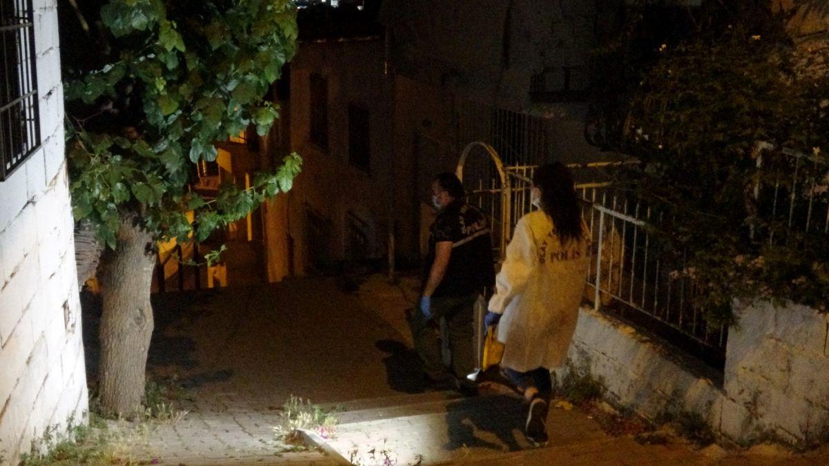 İzmir de ailelerin bıçak kavgası: 1 i ağır 5 yaralı #9