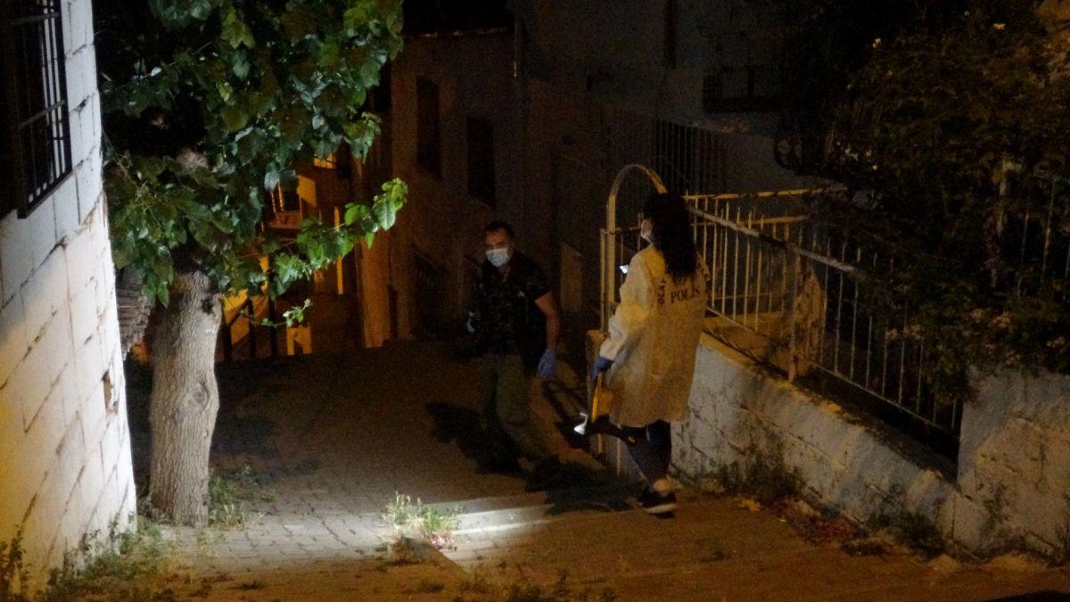 İzmir de ailelerin bıçak kavgası: 1 i ağır 5 yaralı #10