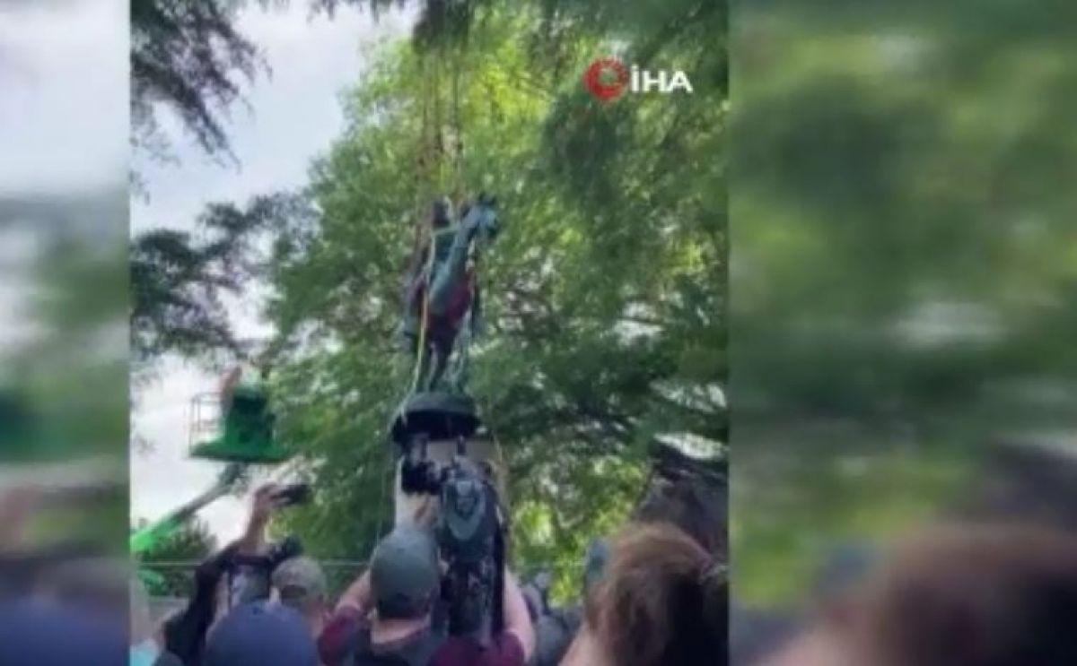ABD'de ırkçılık karşıtı gösterilerin hedefi olan generallerin heykelleri kaldırıldı #4