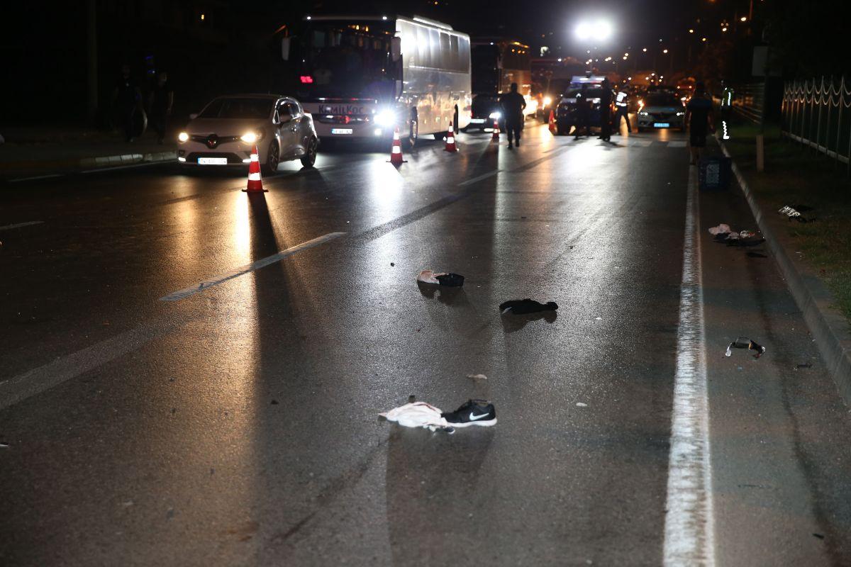 Antalya da aşırı hızlı otomobilin çarptığı Polonyalı çift öldü #2