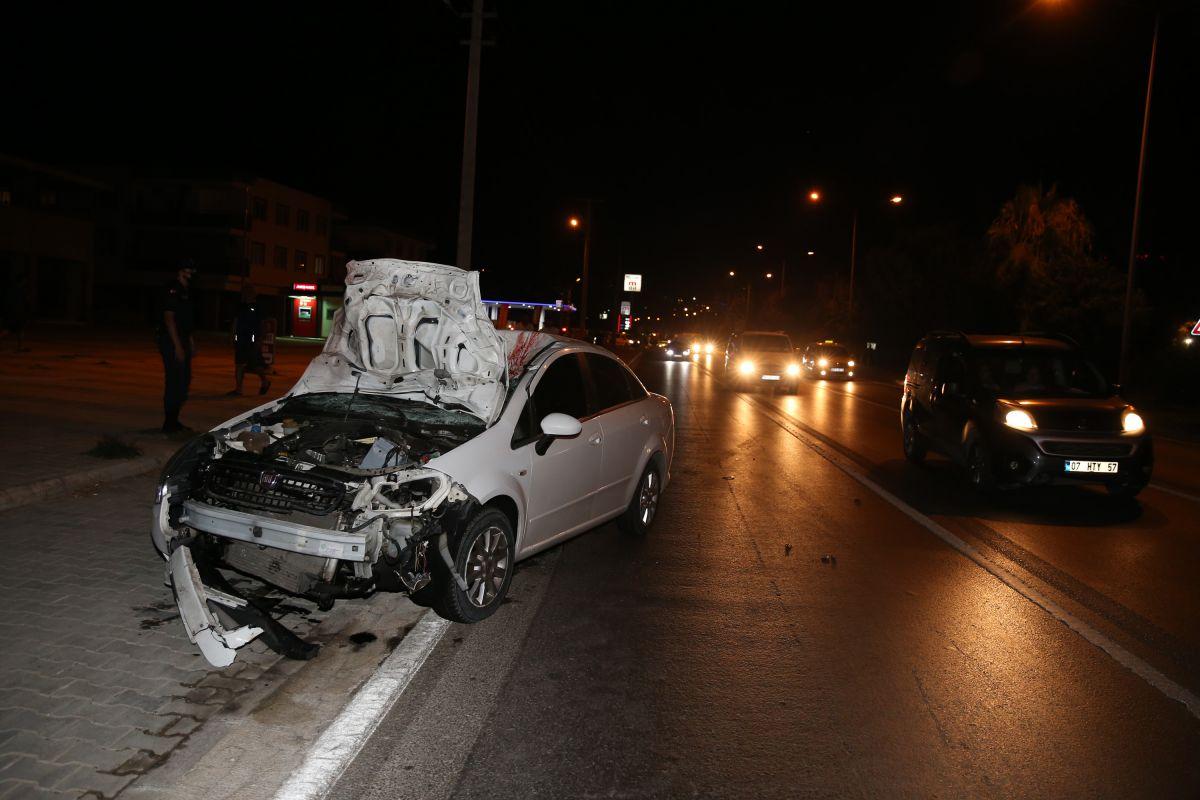 Antalya da aşırı hızlı otomobilin çarptığı Polonyalı çift öldü #1