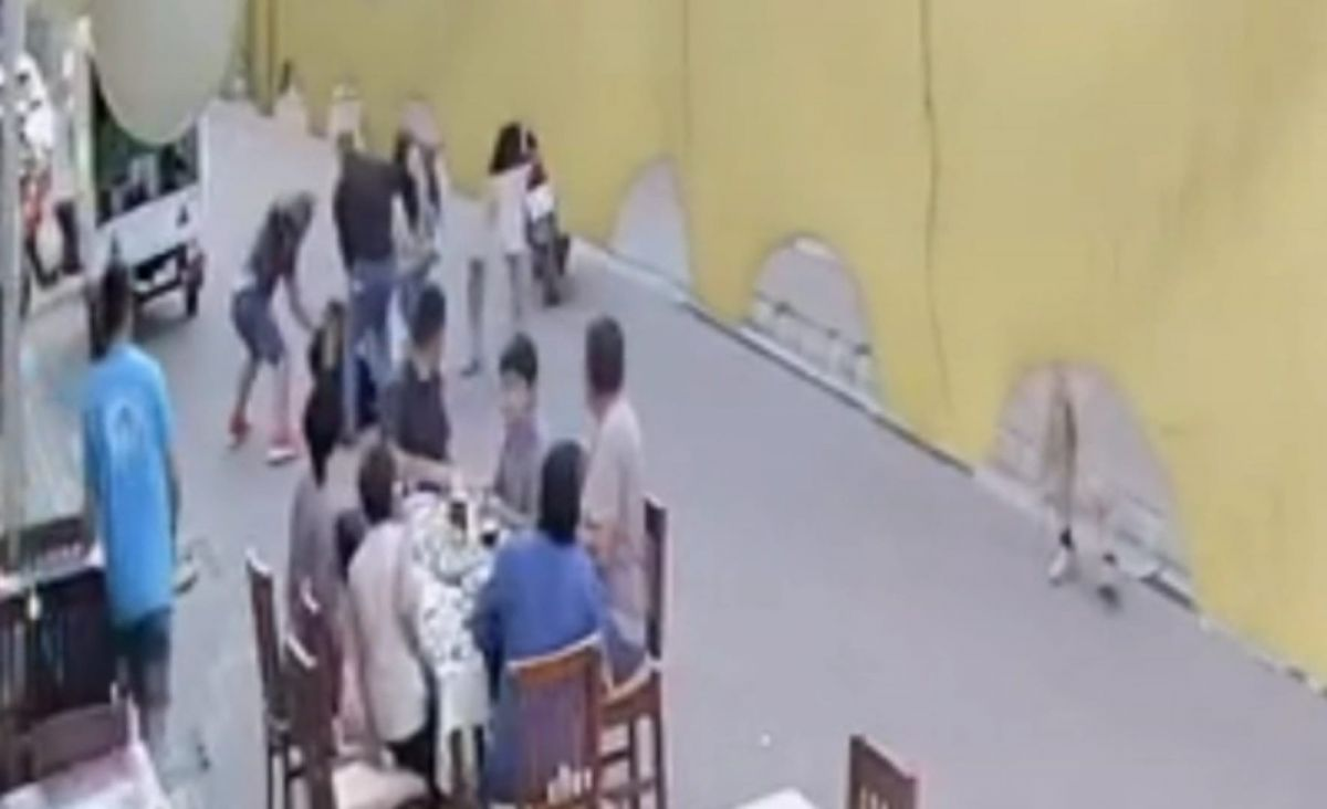 Marmaris te restoranda çıkan kavgada bir kişi öldüresiye dövüldü #2