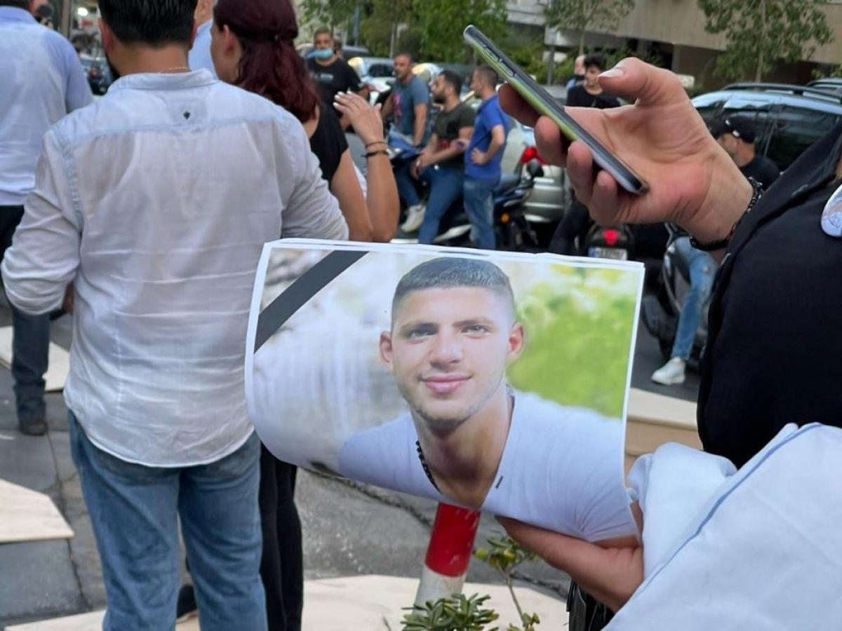 Beyrut Limanı patlamasında yakınlarını kaybeden ailelerden tabutlu protesto #5
