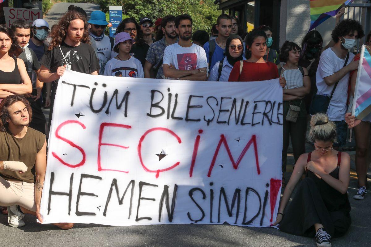 Boğaziçi Üniversitesi ne atanan yeni rektör de protesto edildi #3