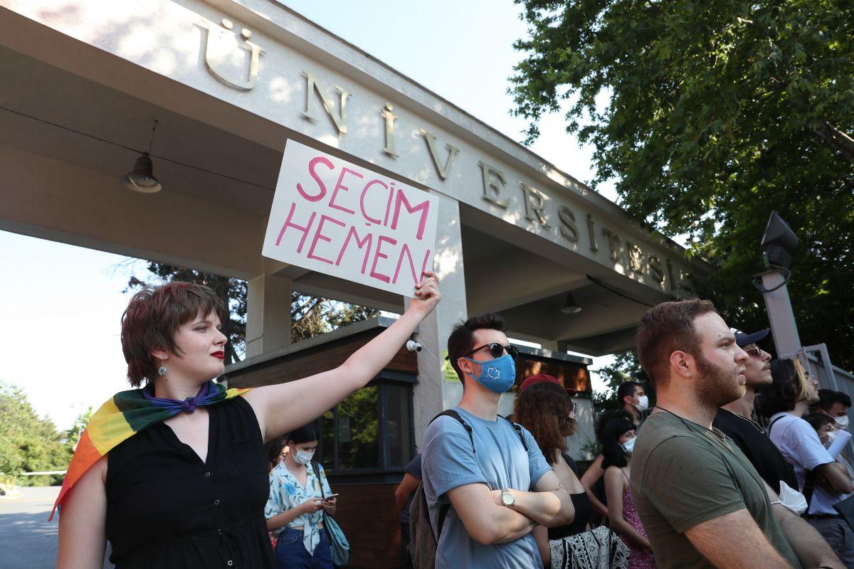 Boğaziçi Üniversitesi ne atanan yeni rektör de protesto edildi #7
