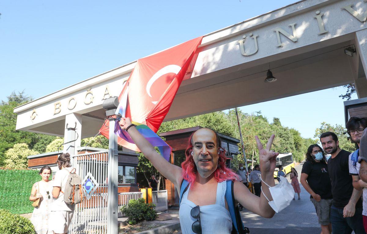 Boğaziçi Üniversitesi ne atanan yeni rektör de protesto edildi #10
