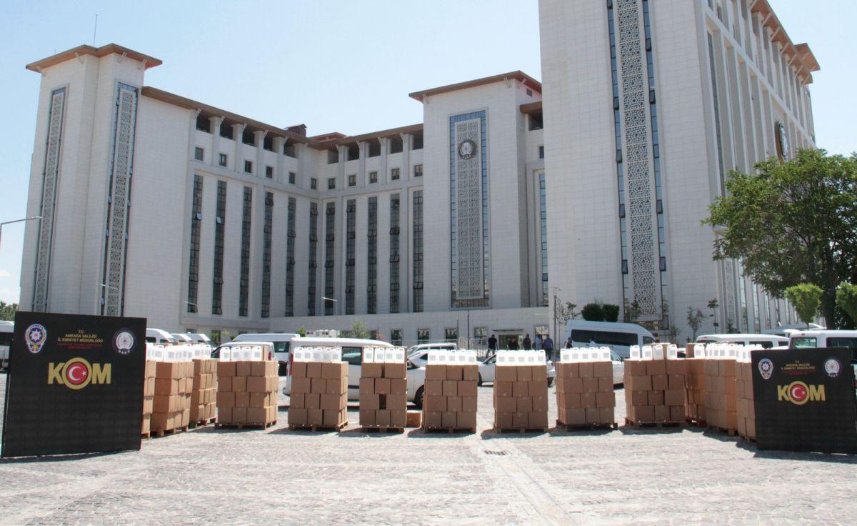 Ankara da 12 bin litre sahte alkol ele geçirildi #1