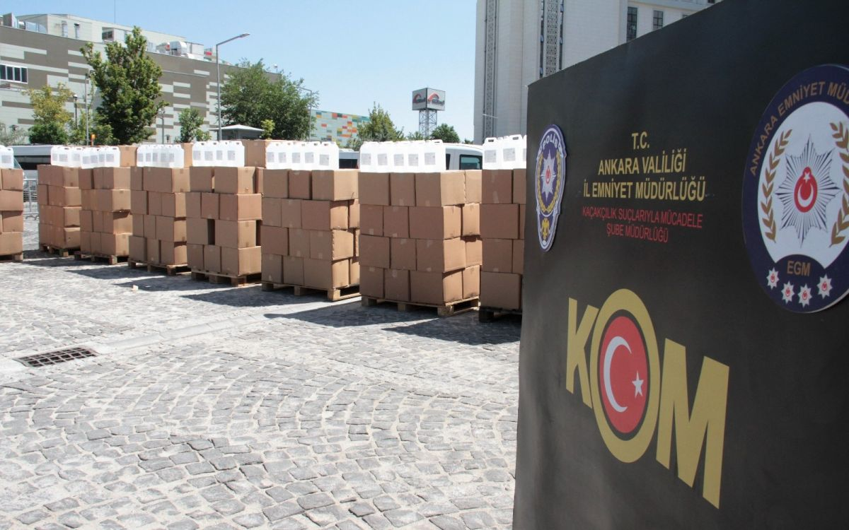 Ankara da 12 bin litre sahte alkol ele geçirildi #3