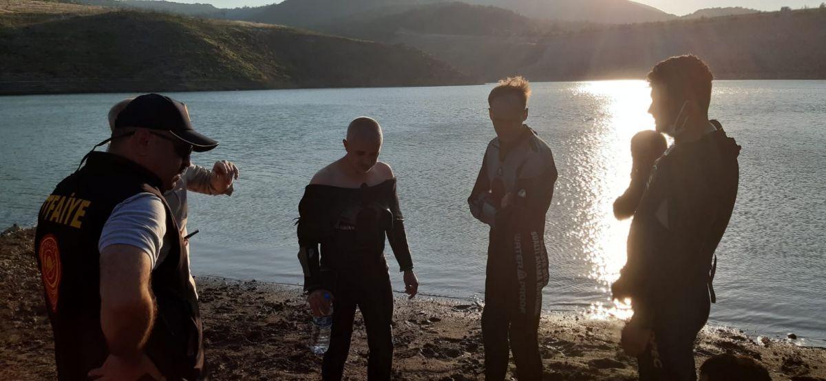 Amasya da barajda kaybolan 5 kişilik aileden 2 sinin cesedine ulaşıldı #6