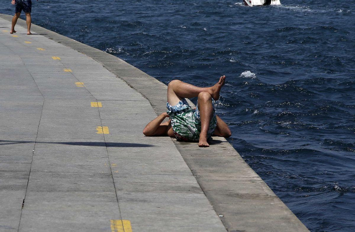 İstanbul'da hissedilen sıcaklık 42 dereceyi buldu #6