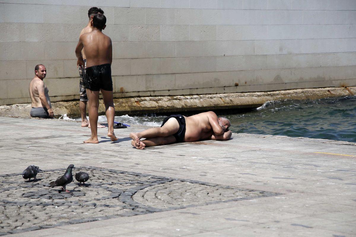 İstanbul'da hissedilen sıcaklık 42 dereceyi buldu #5