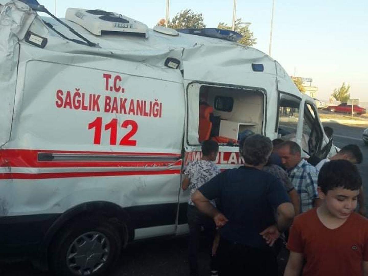 Kahramanmaraş ta ambulans kaza yaptı: 1 ölü, 5 yaralı #1