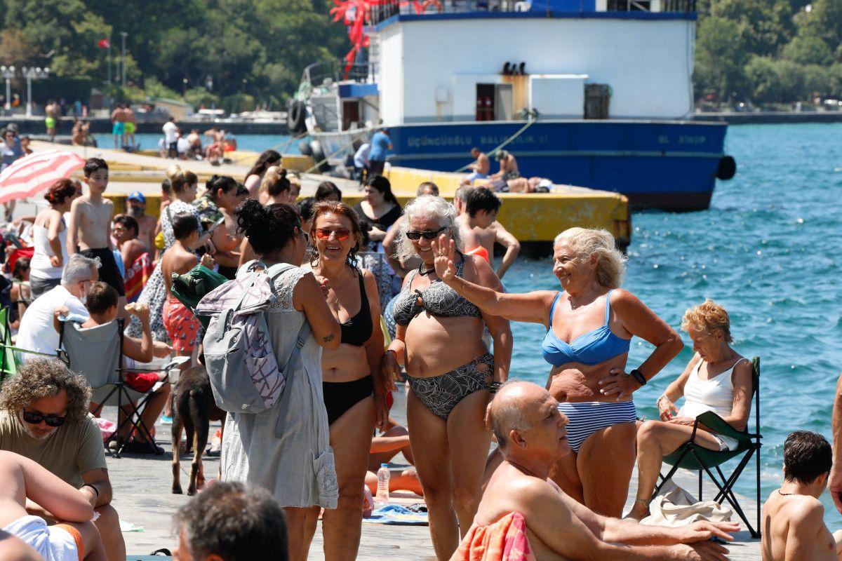 İstanbul da sıcaktan bunalanlar boğaza akın etti #7