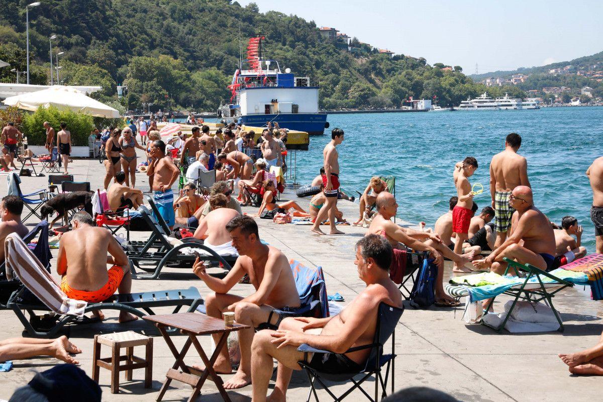 İstanbul da sıcaktan bunalanlar boğaza akın etti #8