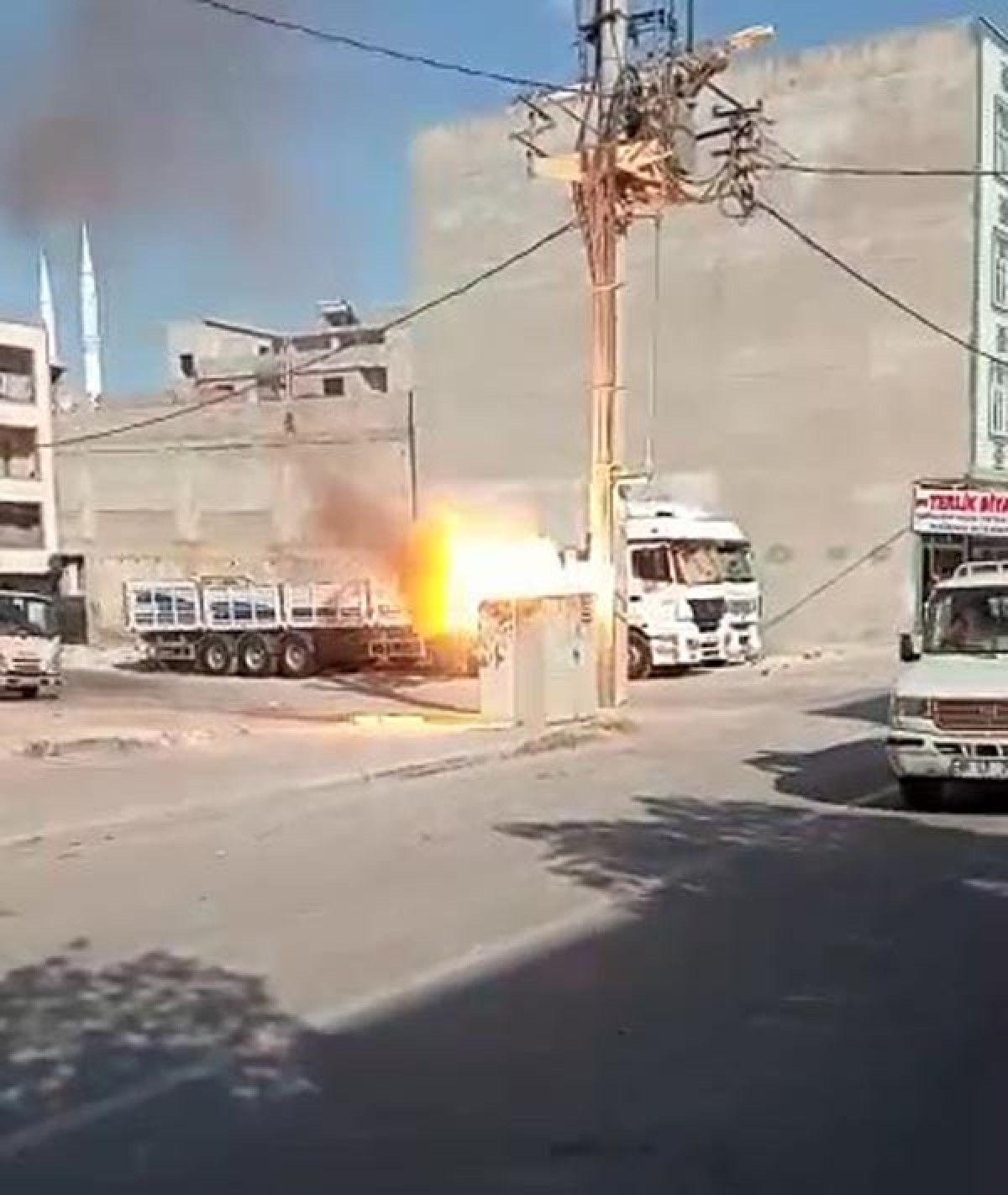 Şanlıurfa da patlayan elektrik trafosu, panik yarattı #2