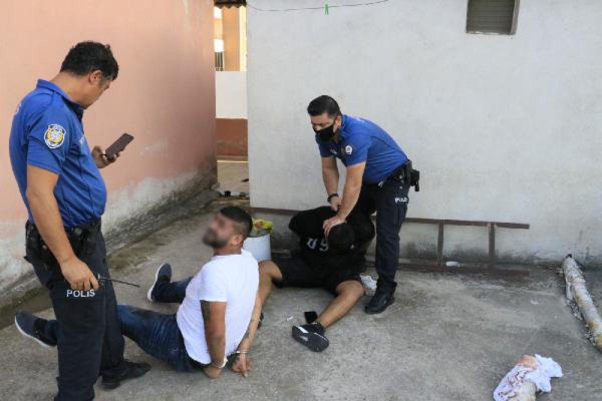 Adana da hastane otoparkında silahlı saldırıya uğrayan baba ile oğlu yaralandı #8