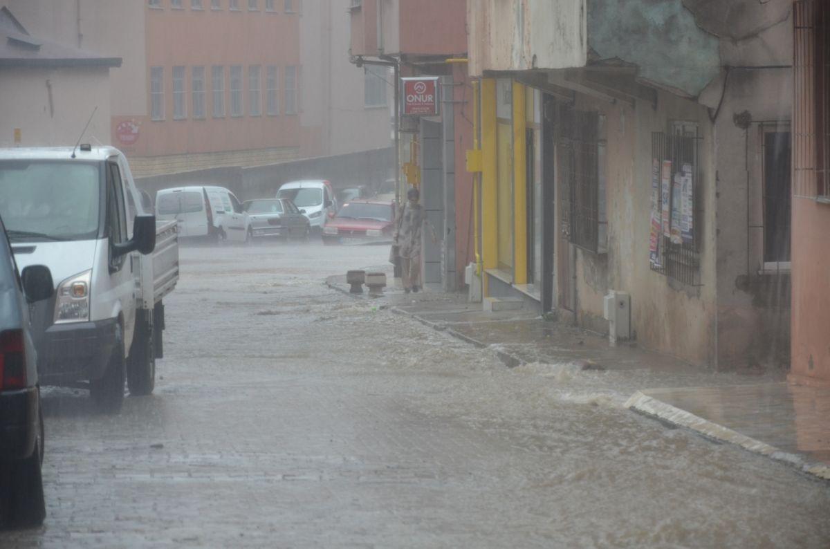 Ordu da sağanak yağış etkili oldu #1