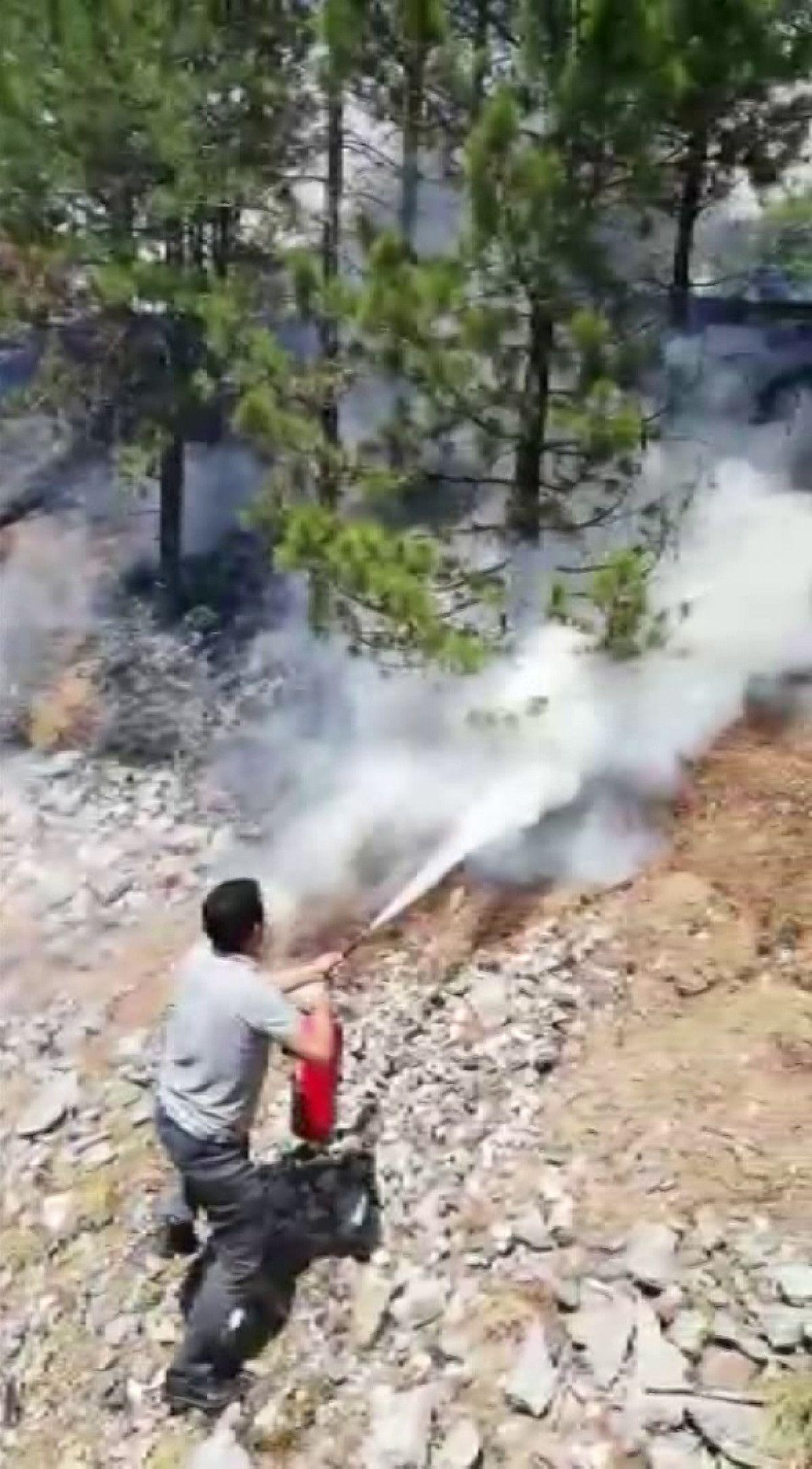 Sivas ta makinistler treni durdurup yangını söndürdü #2