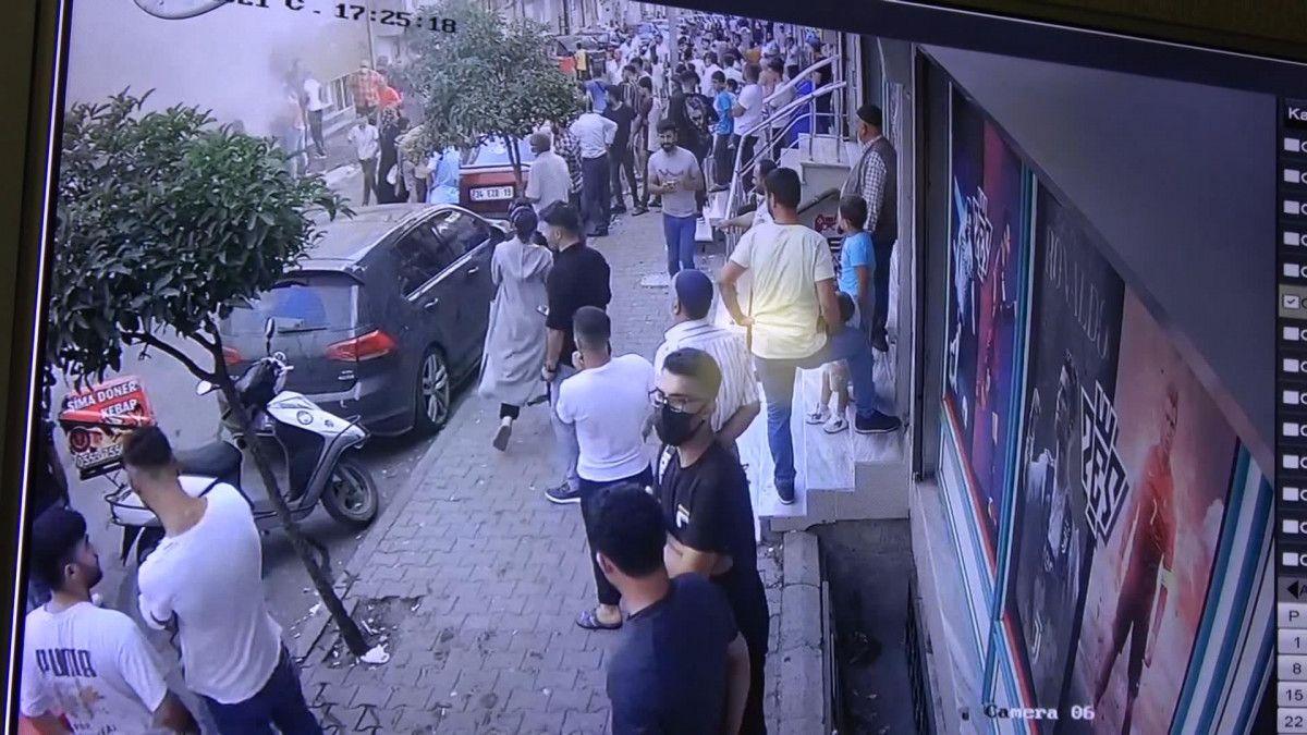 Sultangazi de korsan taksi durağını ateşe verildi #4