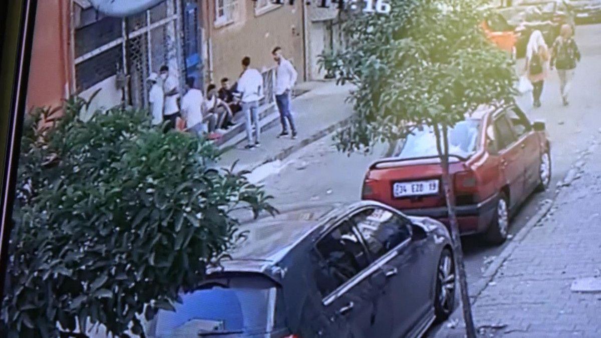Sultangazi de korsan taksi durağını ateşe verildi #1