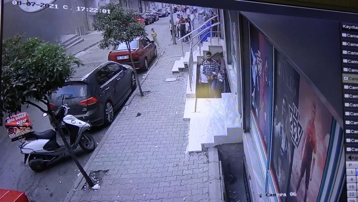 Sultangazi de korsan taksi durağını ateşe verildi #3