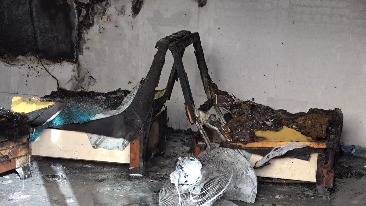 Sultangazi de korsan taksi durağını ateşe verildi #9