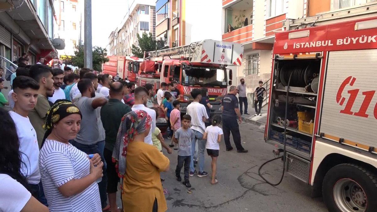 Sultangazi de korsan taksi durağını ateşe verildi #6