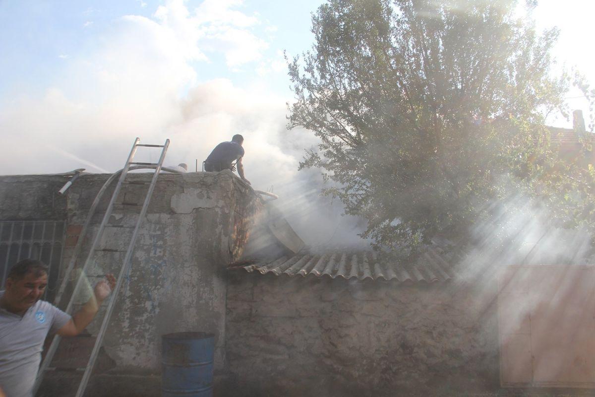 Manisa da bir kişi bahçede yemek pişirmek isterken evi yaktı #7
