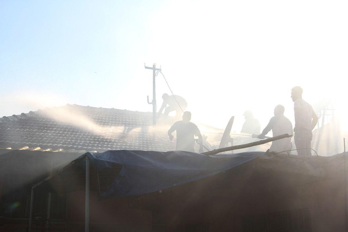 Manisa da bir kişi bahçede yemek pişirmek isterken evi yaktı #4