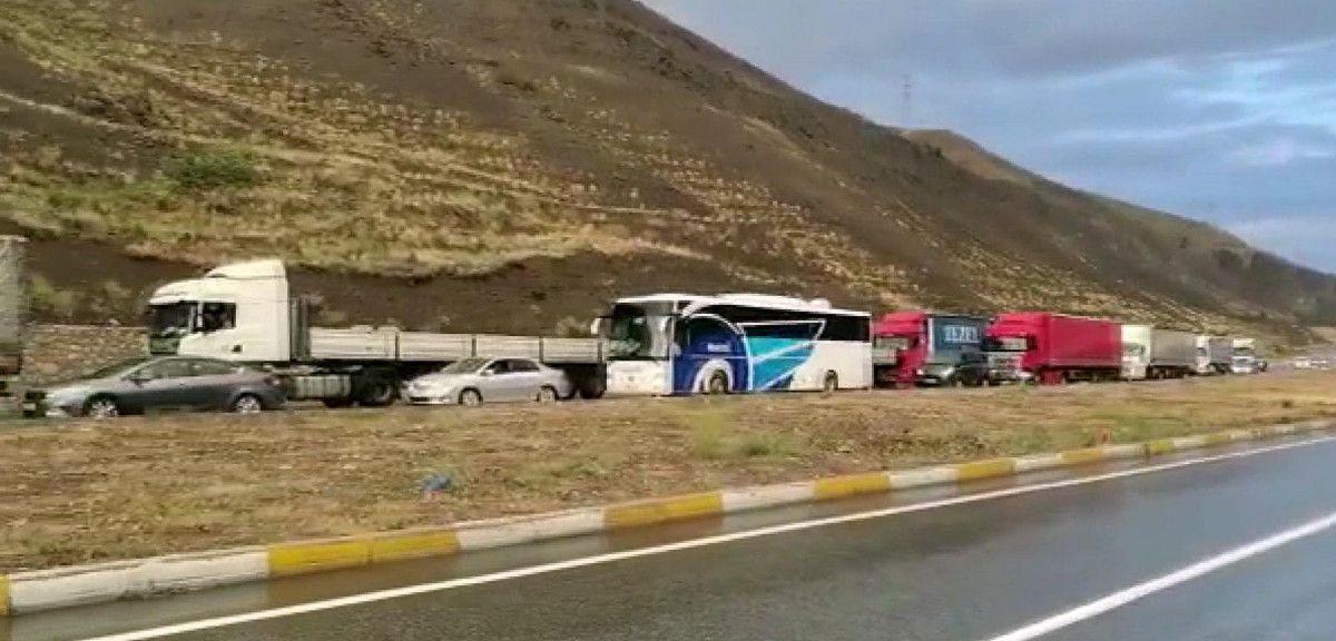 Erzincan-Sivas karayolunda heyelan meydana geldi -3
