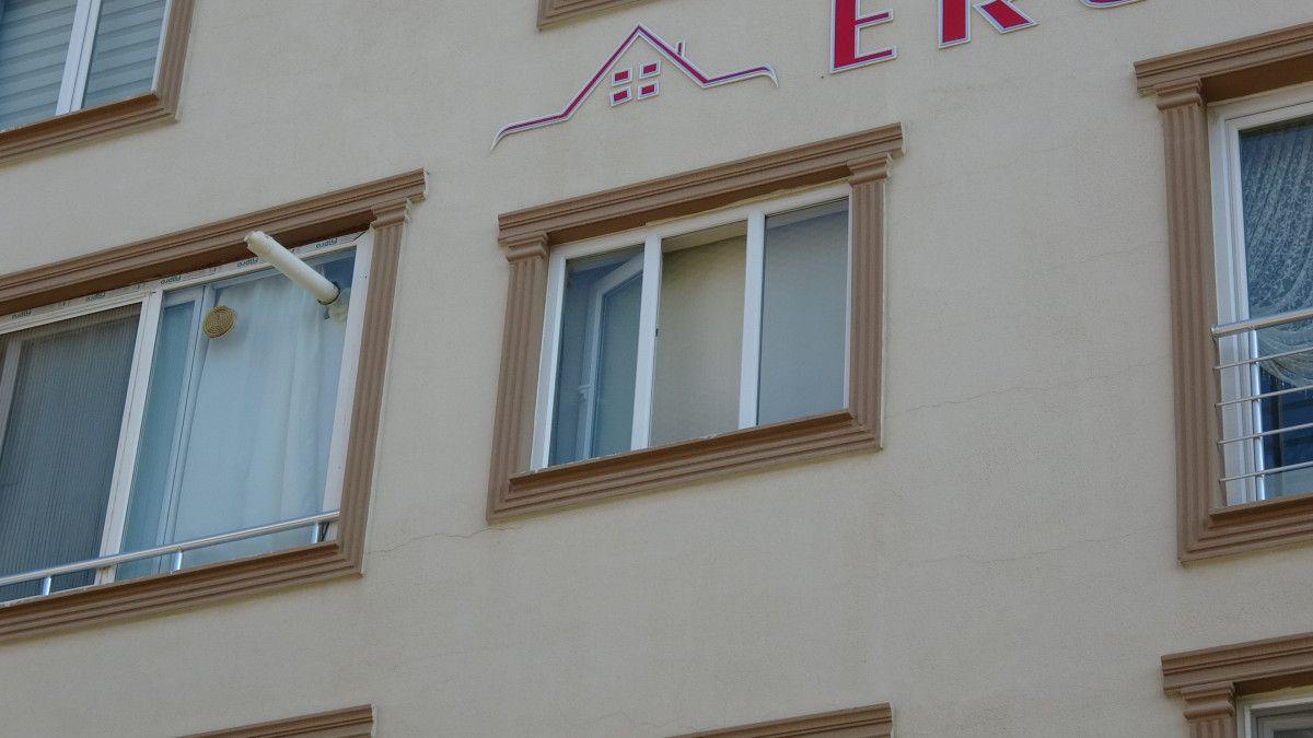 Bursa da bir kişinin, apartman merdiveninde cansız bedeni bulundu #8
