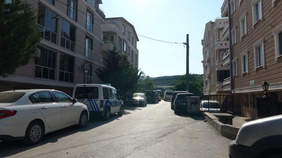 Bursa da bir kişinin, apartman merdiveninde cansız bedeni bulundu #9