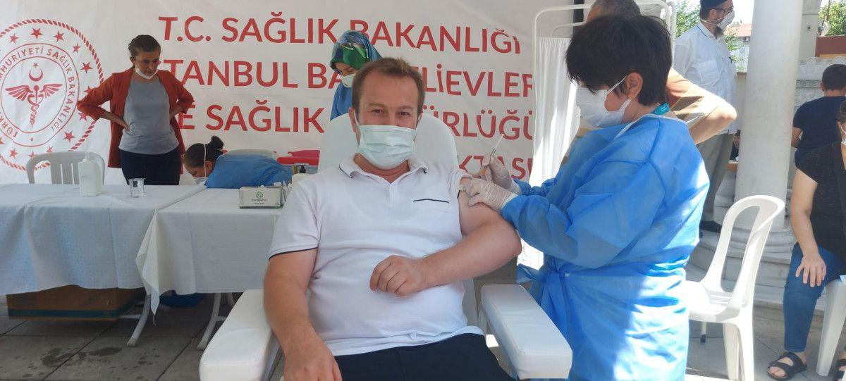 Bahçelievler'de cami avlusuna seyyar aşı istasyonu kuruldu #1