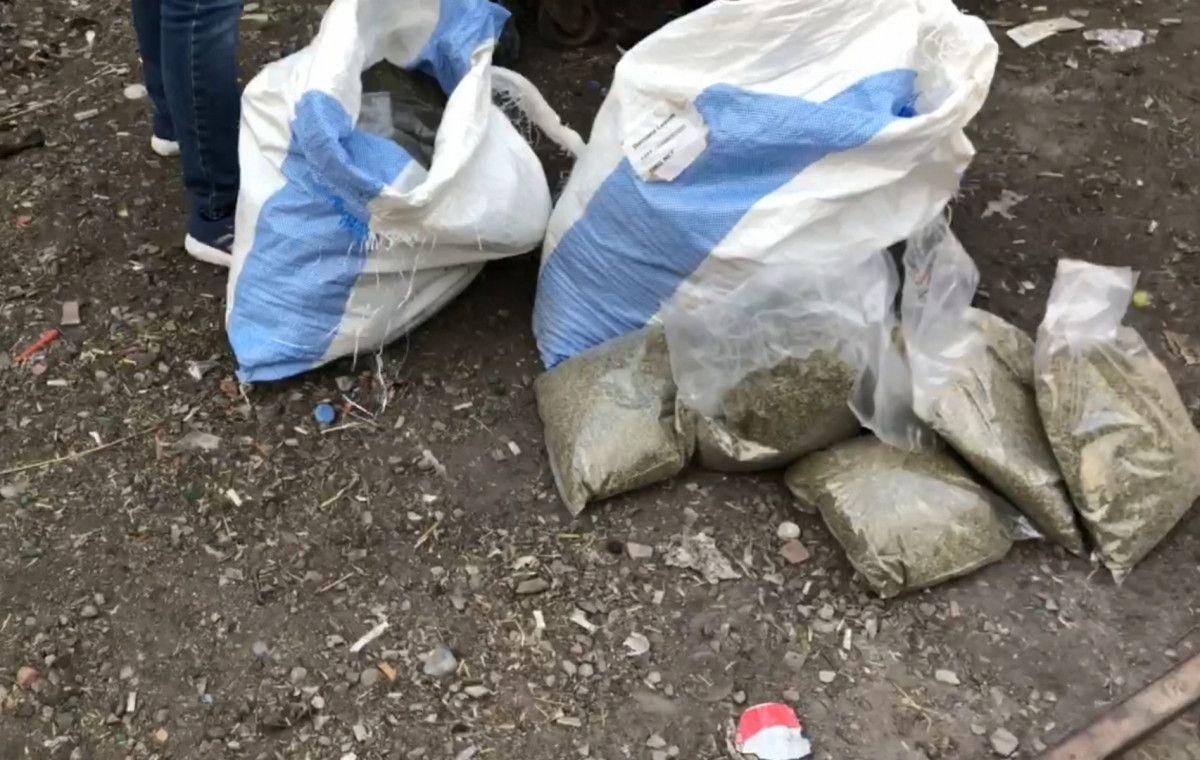Bursa da çöp konteynerinden 28 kilo bonzai çıktı #3