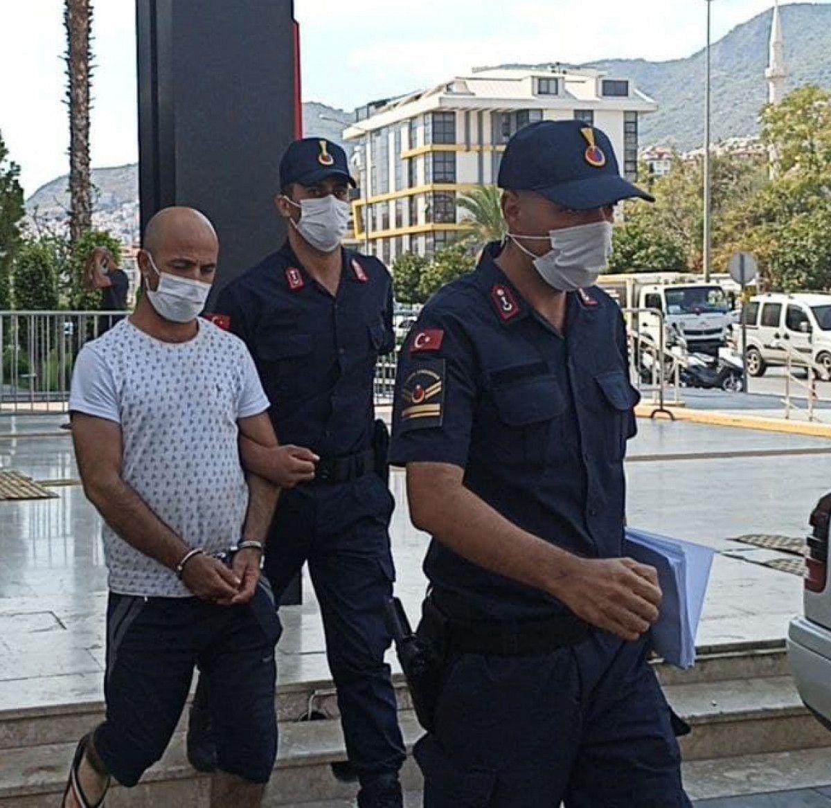 Antalya da 2 kadına cinsel istismarda bulunan zanlı tutuklandı #2