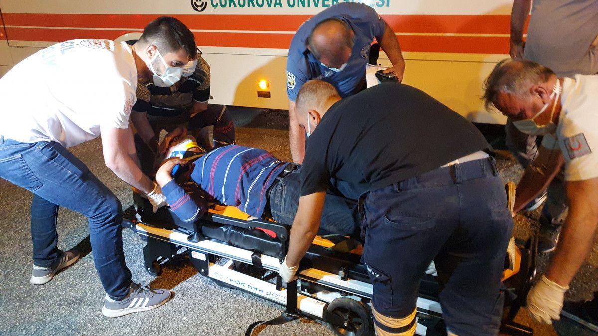 Adana da tartıştığı kişiyi boynundan bıçaklayan saldırgana, otobüs çarptı #3