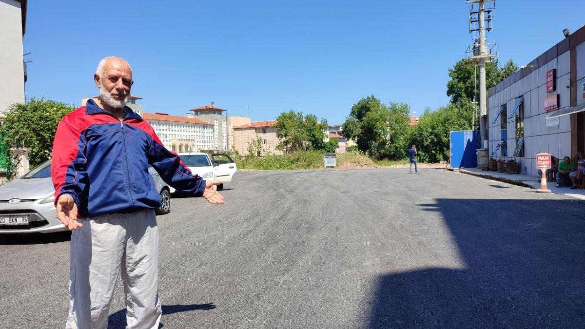 Sakarya da yıllardır beklediği asfalt yola kavuşan yaşlı adam taklalar attı #6