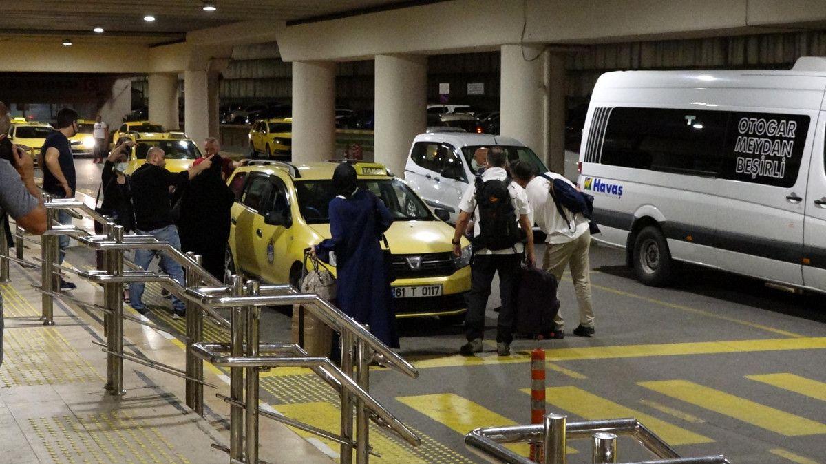 Trabzon Havalimanı nda pist çatladı, uçuşlar iptal edildi #7