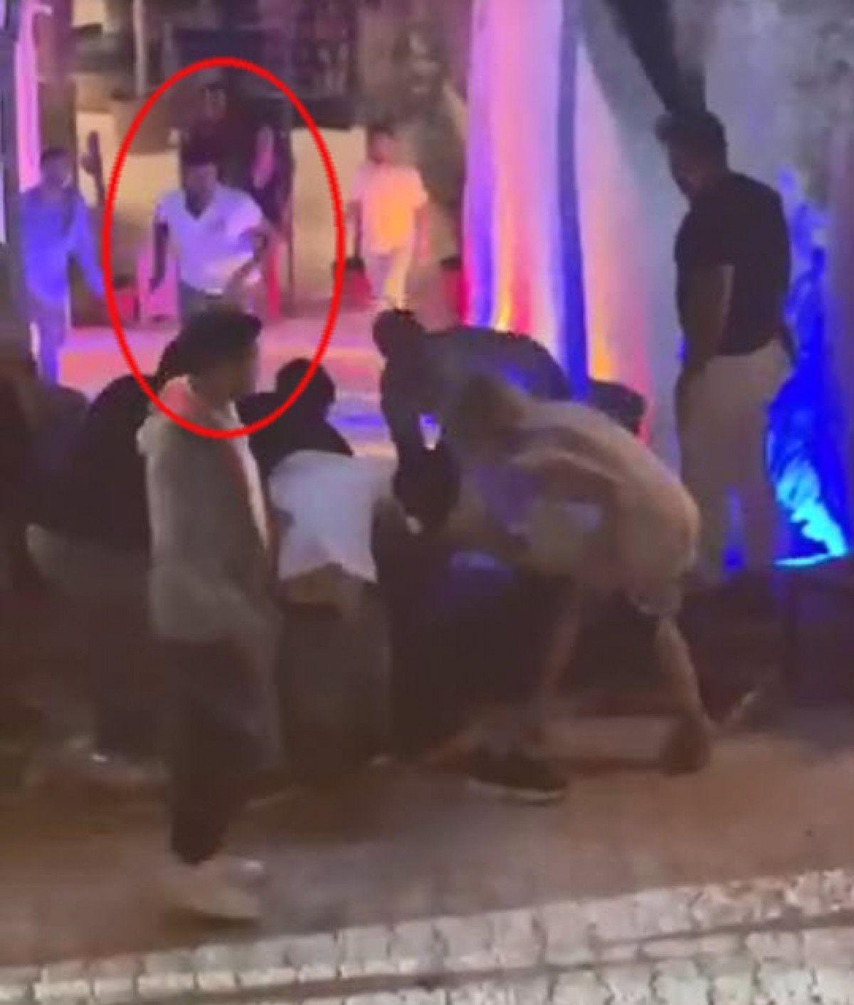Çeşme de gece kulübündeki kavgada 1 kişinin öldürülme anı kamerada #3