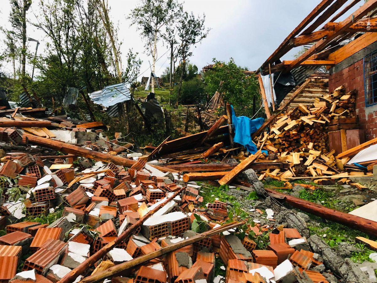 Artvin Şavşat'ta hortum ve fırtına etkili oldu #8