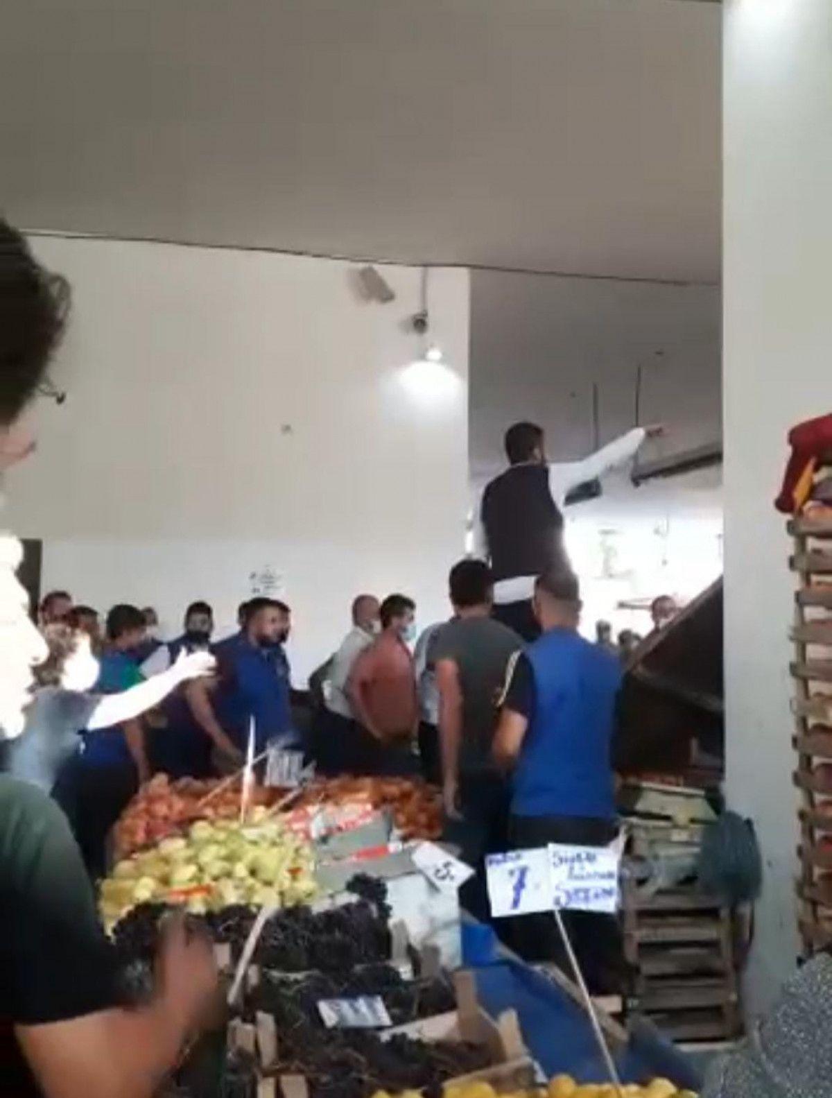 Ankara da esnaf ile müşteri arasında ezik şeftali kavgası #4