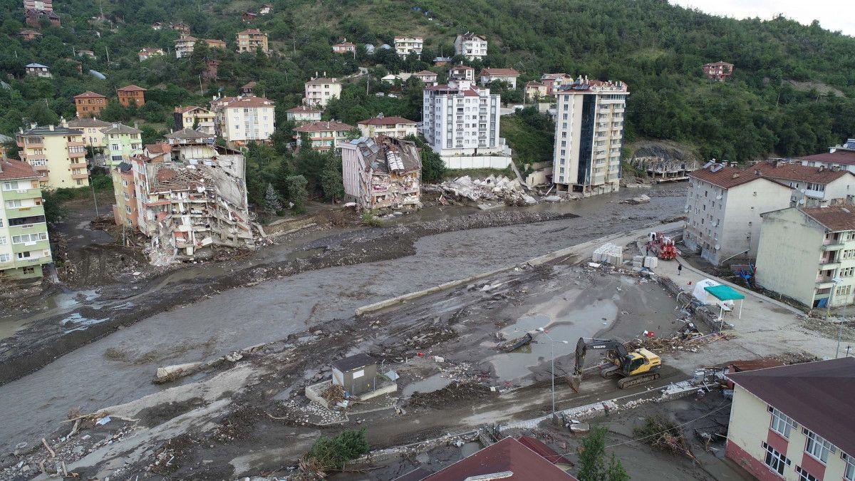 Sel oluşan Bozkurt taki Ezine Çayı, 4 bin metrelik duvarla ıslah edilecek #1