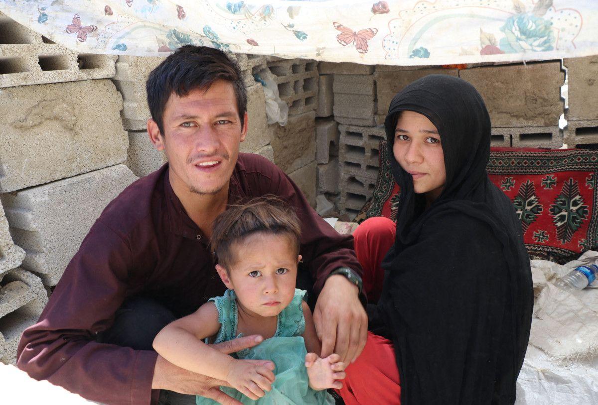 Eşi ve bebeğiyle Afganistan dan Van a gelen adam, ölüm korkusu yaşıyor #5