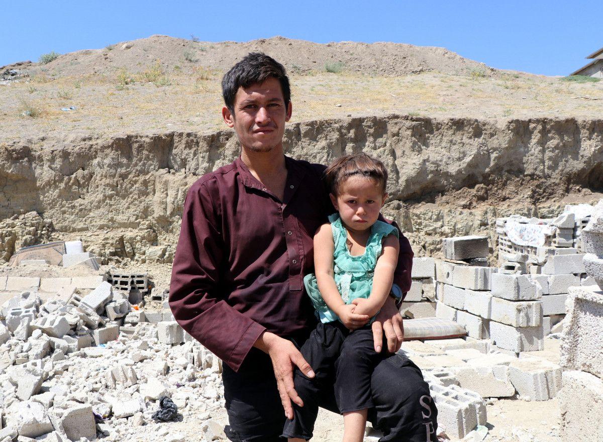 Eşi ve bebeğiyle Afganistan dan Van a gelen adam, ölüm korkusu yaşıyor #6