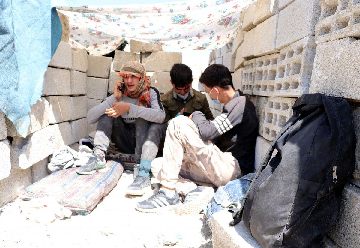 Eşi ve bebeğiyle Afganistan dan Van a gelen adam, ölüm korkusu yaşıyor #9